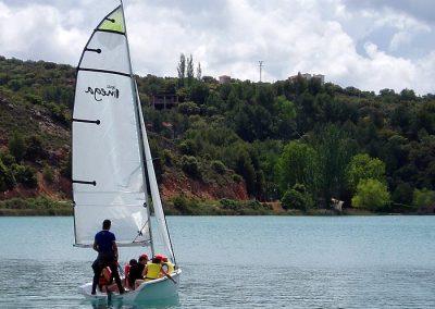 Clase navegación a vela en lagunas de Ruidera